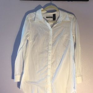 White collared button up shirt